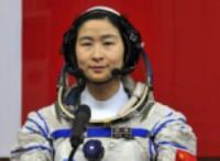 صورة انطلاق مركبة فضاء على متنها أول امرأة صينية ضمن برنامج محطة الفضاء الصينية
