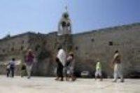 صورة الفلسطينيون: ادراج كنيسة المهد على قائمة التراث العالمي يوم تاريخي