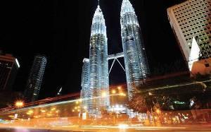 صورة تقرير مصور : برجا بتروناس: رمز الحداثة الماليزية