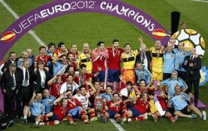 صورة بعدما فازت بلقب كاس العالم اسبانيا تدخل التاريخ بفوز ساحق في نهائي اوربا