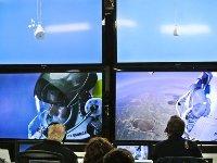 صورة مغامر نمساوي ينجح من القفز من حدود الغلاف الجوي
