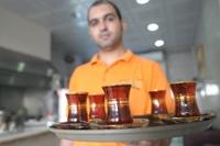 صورة في الشارقة الشاي العراقي ينافس بقوة الشاي الهندي