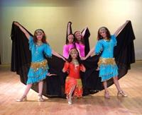 صورة حفل فني للفرقة القومية للفنون الشعبية المصرية بدبي