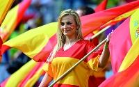 صورة نجوم اسبانيا يدخلون تاريخ كرة القدم من اوسع ابوابه