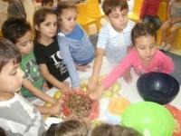 صورة وجبة الفطور اساسية للاطفال في سن المدرسة