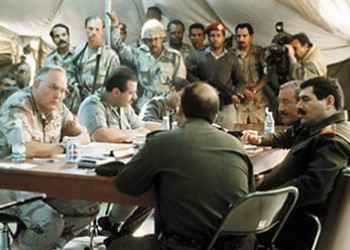 صورة في خيمة صفوان: صدام حسين ضَمِنَ بقاءه رئيساً … مقابل تدمير العراق