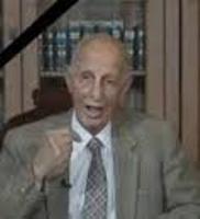 صورة وفاة المؤرخ والعلامة العراقي حسين امين في عمان