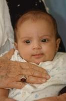 صورة الإكتشاف والعلاج المبكر لضعف السمع عند الأطفال في غاية الأهمية