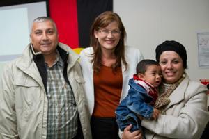 صورة السناتورلندي: زيادة منح فيزا اللجوء الانساني الى استراليا