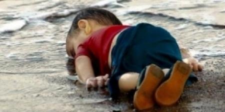 صورة والد الطفل إيلان : أبني أصبح رمزاً لمعاناة اللاجئين !