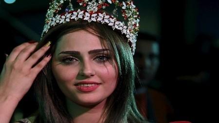 "Photo of شيماء قاسم ""ملكة جمال العراق"" بعد 43 سنة من توقف المسابقة"