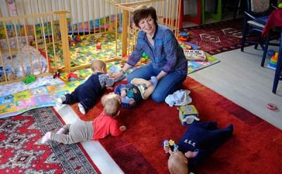 صورة أمراة المانية تنجب 4 أطفال بعمر 65 عاماً !