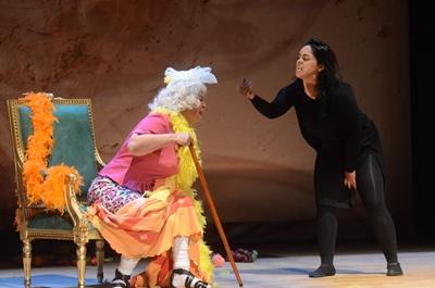 صورة (أيام اللولو) حكاية الأزمنة القلقة على مسرح العويس