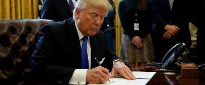 صورة امريكا تقيد الهجرة لسبع دول هي سورياو العراق وإيران وليبيا والصومال والسودان واليمن
