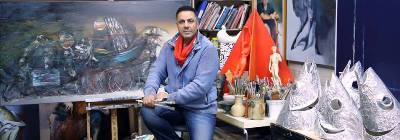 صورة أختيار لوحة لفنان عراقي في احدى الساحات العامة في مدينة فيرفيلد الاسترالية