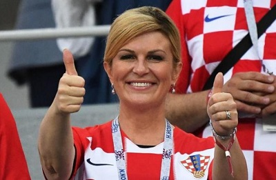 صورة رئيسة كرواتيا تسرق الأضواء في مونديال روسيا 2018