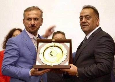 Photo of تكريم اوربي لرجل اقتصاد عراقي