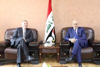 صورة وزير التخطيط العراقي يبحث مع السفير الاردني تعزيز العلاقات الثنائية بين البلدين