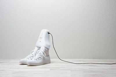 صورة باناسونيك تطلق مزيل رائحة حذائك أثناء نومك!