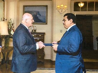 صورة السفير العراقي لدى استراليا في ضيافة أذاعة  SBS عربي