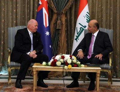 صورة الرئيس العراقي برهم صالح  يستقبل حاكم أستراليا العام خلال زيارته للعراق