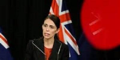 صورة رئيسة وزراء نيوزلندا جاسيندا أردين تخفض راتبها ورواتب الوزراء والدرجات الخاصة