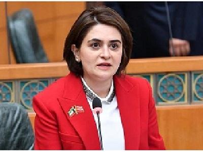Photo of ماهي قصة الوزيرة الكويتية غدير اسيري التي غادرت منصبها بسرعة!