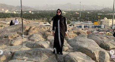 صورة الفنانة نرمين الفقى تؤدي مناسك العمرة وتنشر صور عبر حسابها على إنستجرام