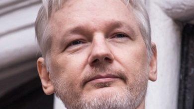 صورة النائب الاسترالي جورج كريستنسن يطالب الرئيس ترامب بأطلاق سراح مؤسس موقع ويكيليكس من السجن