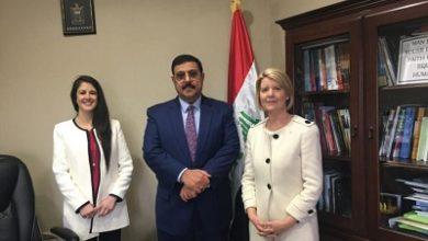 صورة السفير العراقي يلتقي مرشحة استراليا لتولي منصب رئيس لجنة (سيداو) الاممية
