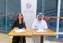 Photo of توقيع اتفاقية تعاون في المجالات المهنية والصحفية بين جمعيتا الصحفيين الإماراتية والبحرينية
