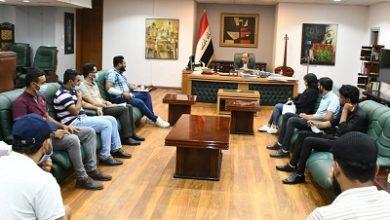 صورة وزير الثقافة العراقي يستقبل مجموعة من معتصمي خريجي الإعلام