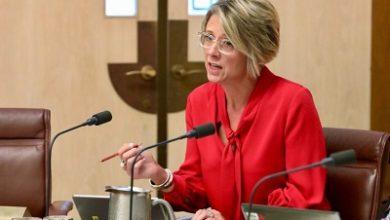 صورة السيناتور كريستينا كينيلي تروي قصتها الشخصية مع تأشيرة الشريك