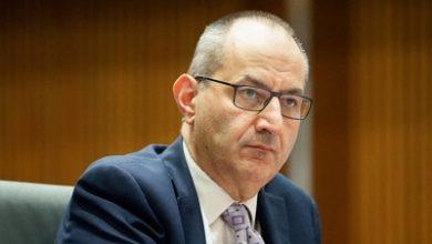 صورة مسؤول استرالي يحذر من  قرع طبول الحرب