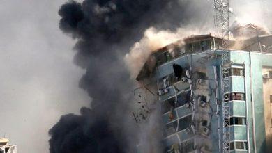 """صورة الأمم المتحدة تبدي """"تذمرها """" لتدمير أسرائيل مبنى في غزة يضمّ مكاتب لوسائل إعلام دولية"""